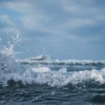 高清可爱海浪景色2021最新头像 波涛汹涌的海面真实高清写真